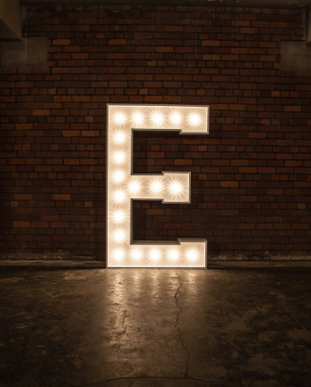 'E' Marquee Light