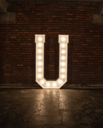 'U' Marquee Light